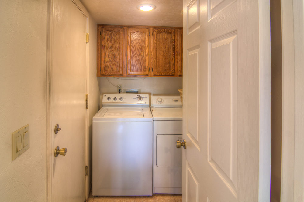 32 Laundry Room.jpg