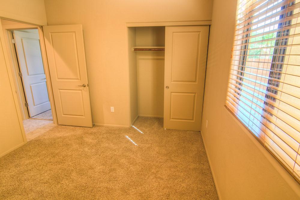 29 Bedroom 1b.jpg