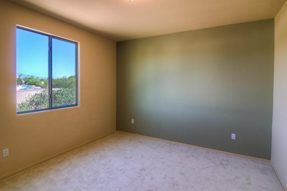 21 Bedroom 1a.jpg