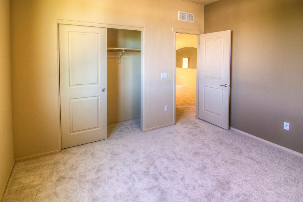 25 Bedroom 2b.jpg