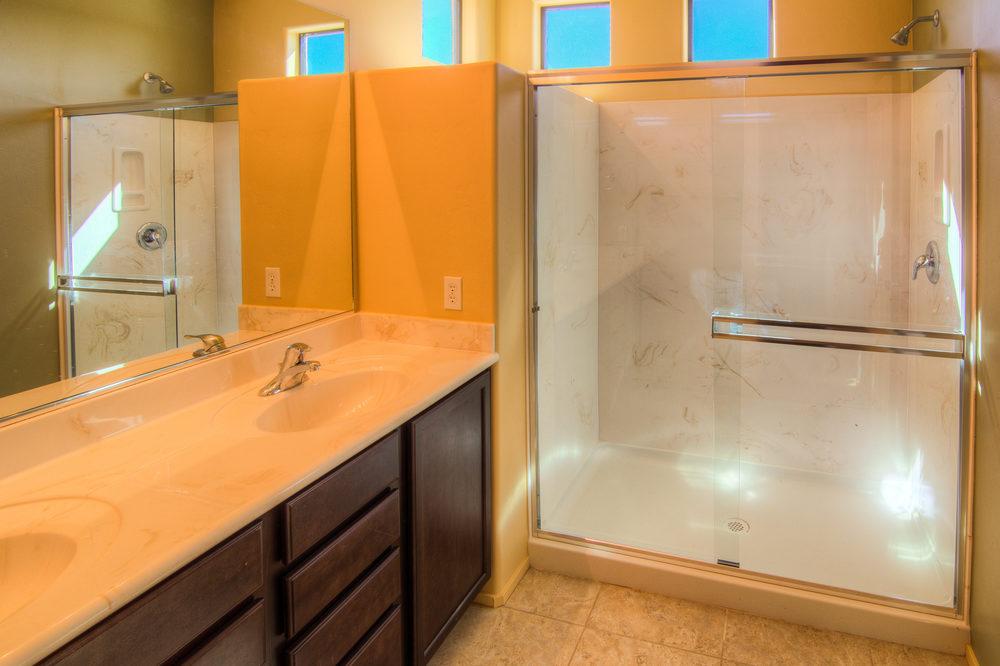 31 Master Bath.jpg