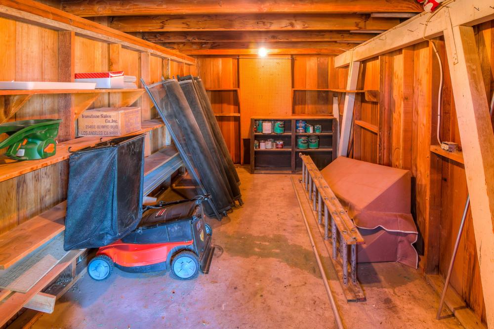 5 Garage Storage Room.jpg