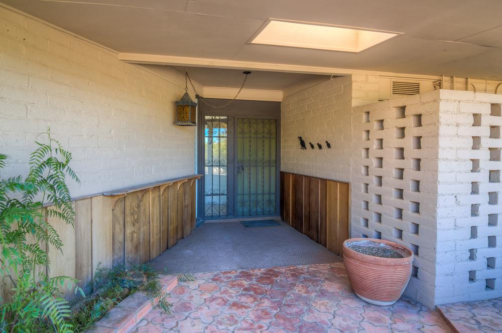 6 Entrance.jpg