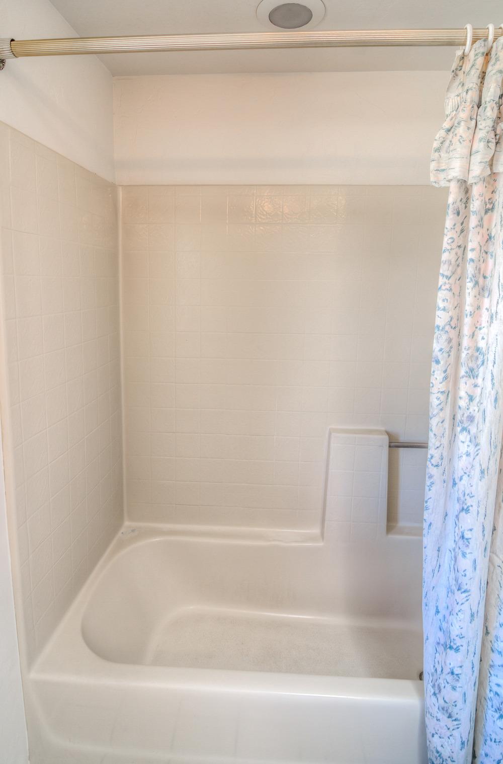 43 Guest Bath photo b.jpg