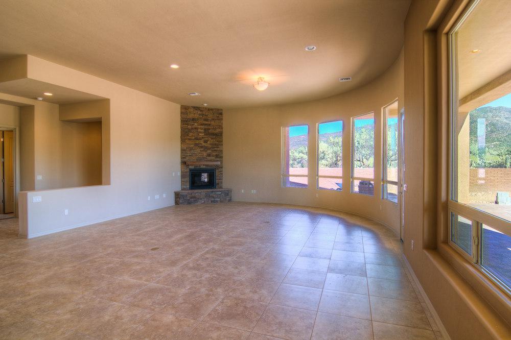 4 Living Room b.jpg