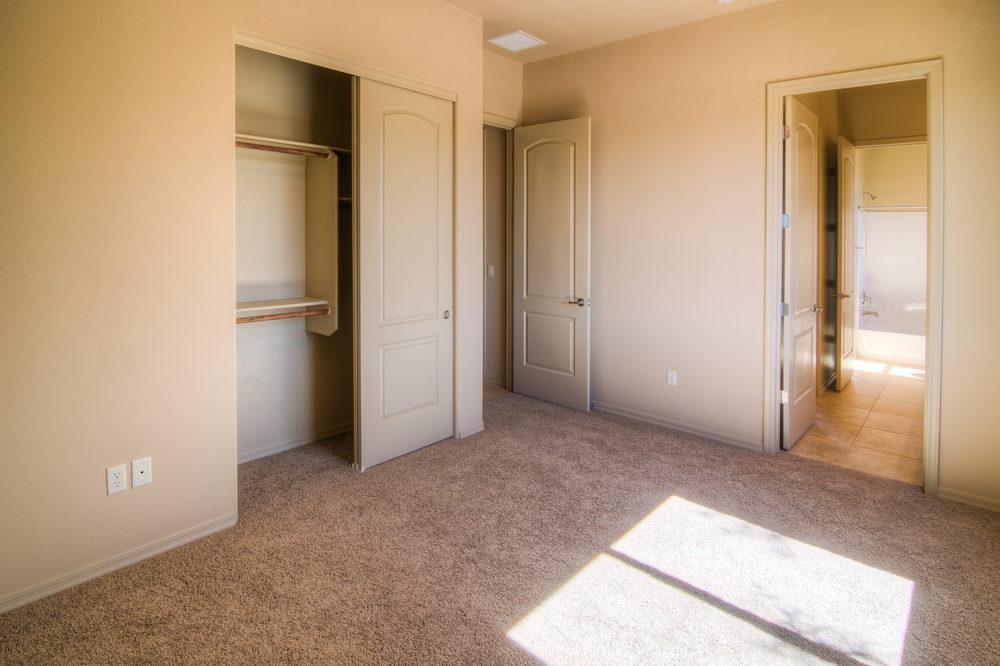 18 Bedroom 1b.jpg