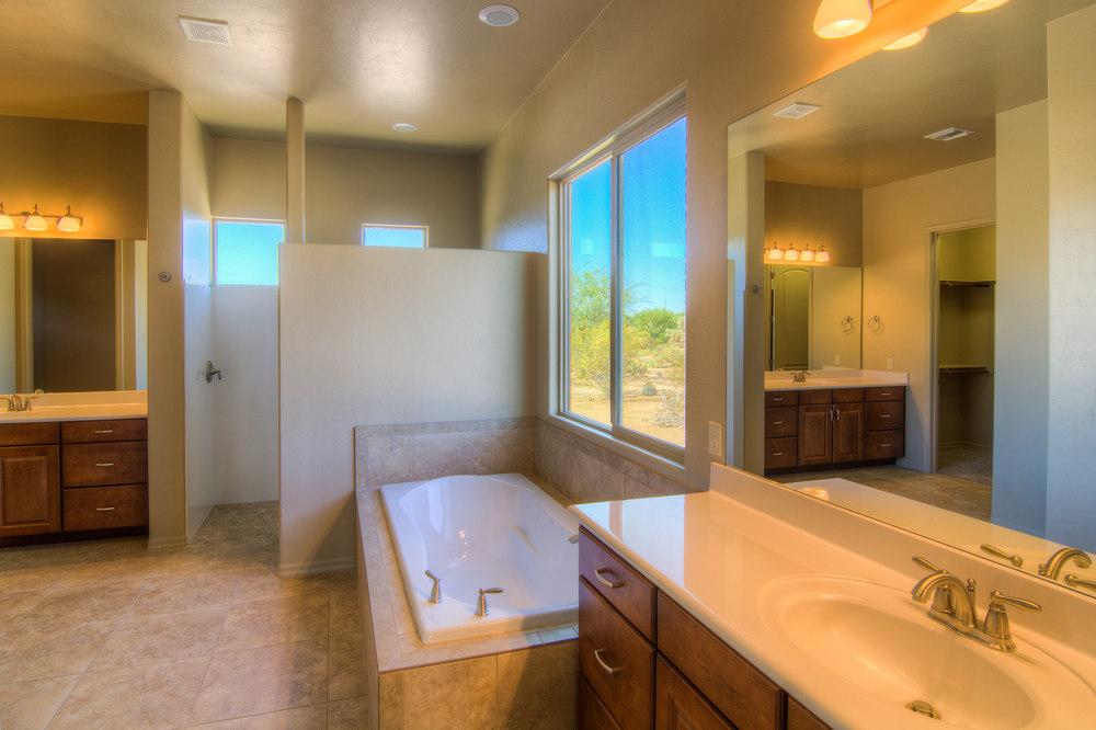 32 Master Bath a.jpg