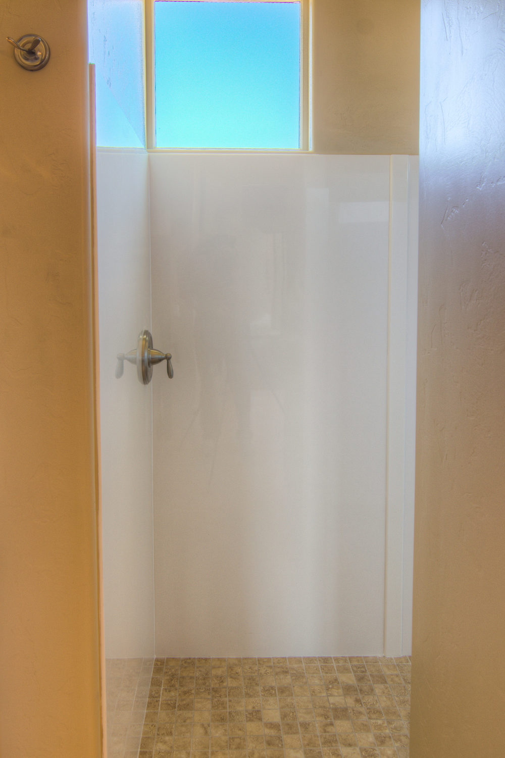 34 Master Shower Entrance.jpg