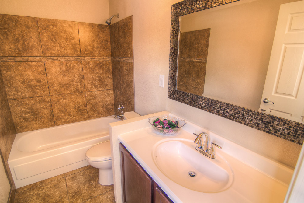 Bathroom 3a.jpg