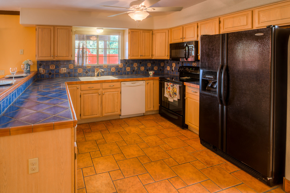 14 Kitchen photo a.jpg