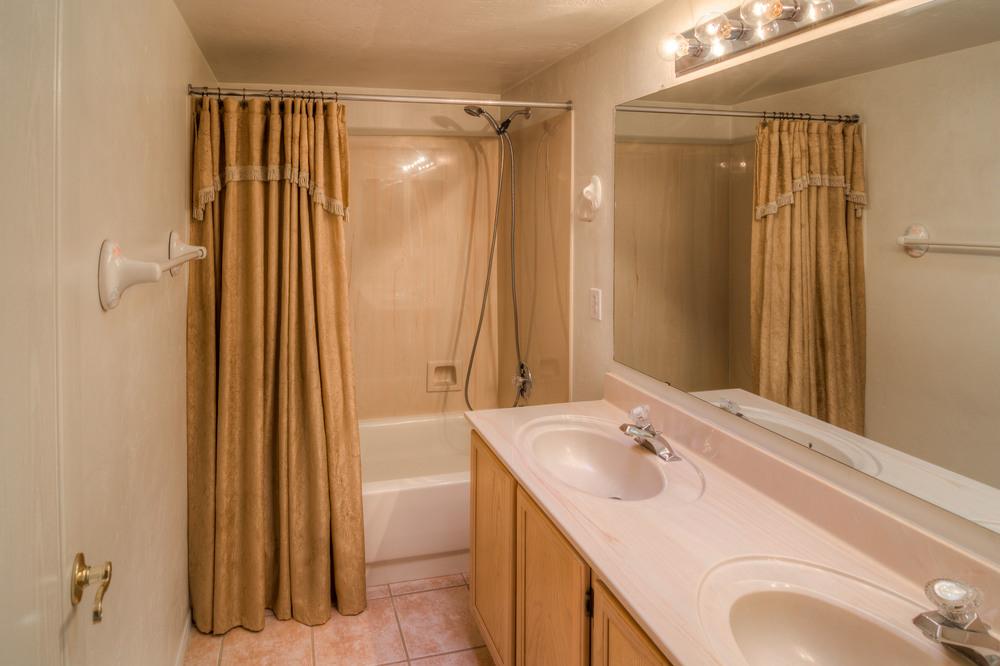 20 Downstairs Bathroom.jpg
