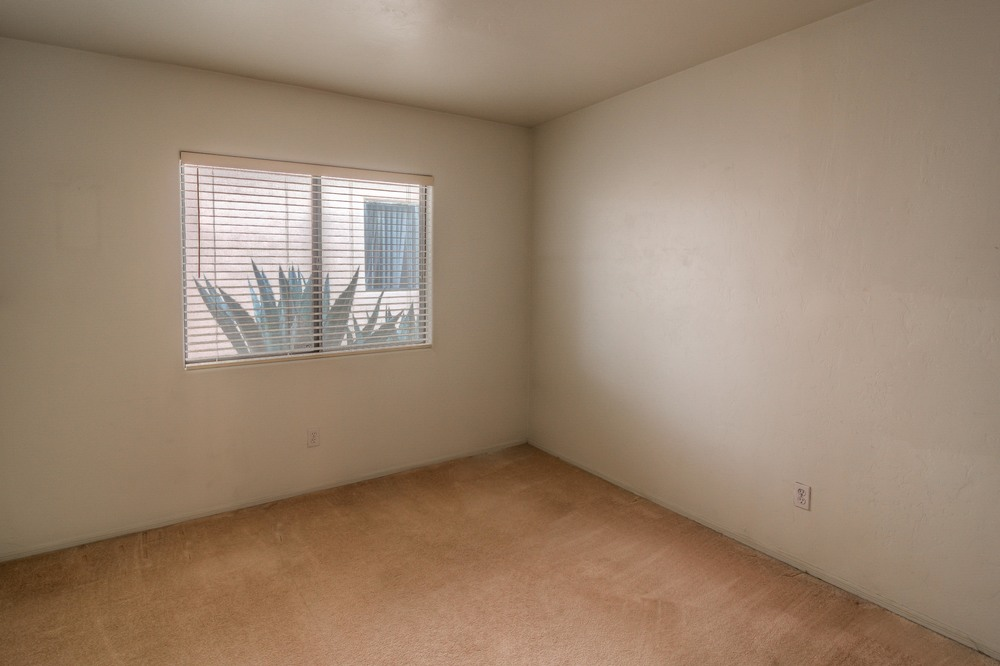 25 Bedroom 2 photo a.jpg