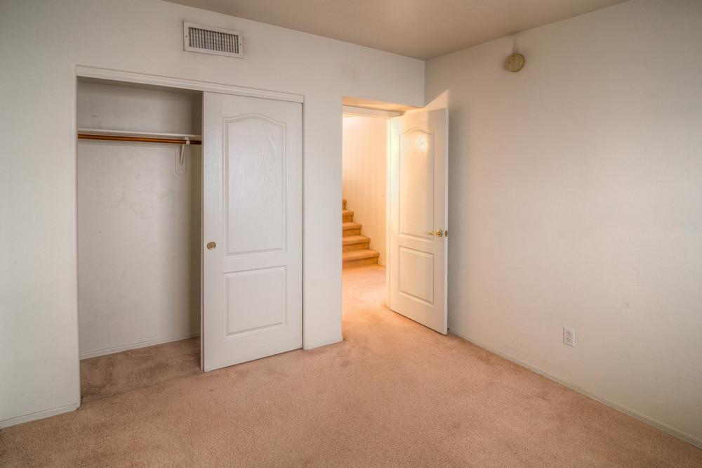 28 Bedroom 2 photo d.jpg