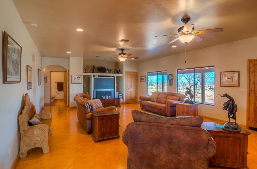 7 Living Room photo d.jpg