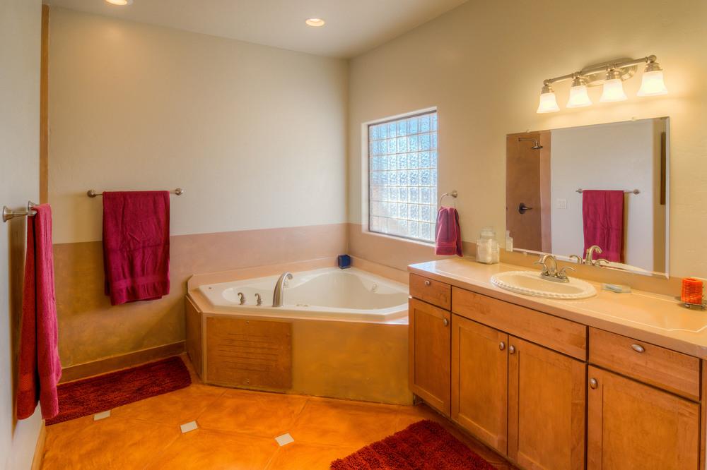 15 Master Bath photo a.jpg