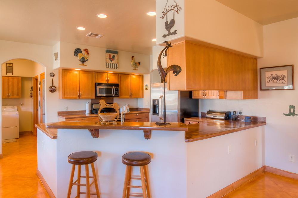 24 Kitchen photo d.jpg