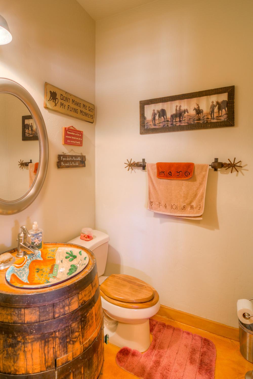 27 Bathroom 1.jpg