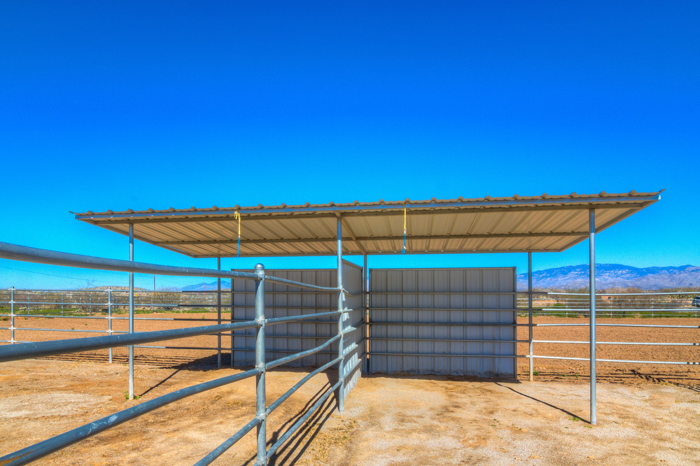 56 Horse Pens With Shade photo b.jpg