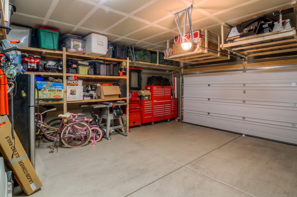 46 Garage photo b.jpg