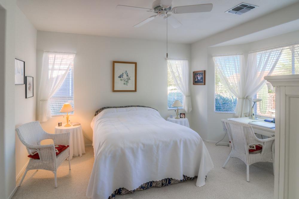 21 Master Bedroom photo a.jpg
