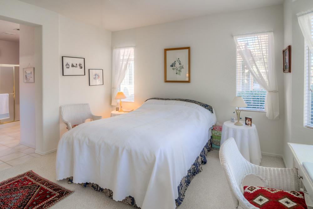 22 Master Bedroom photo b.jpg