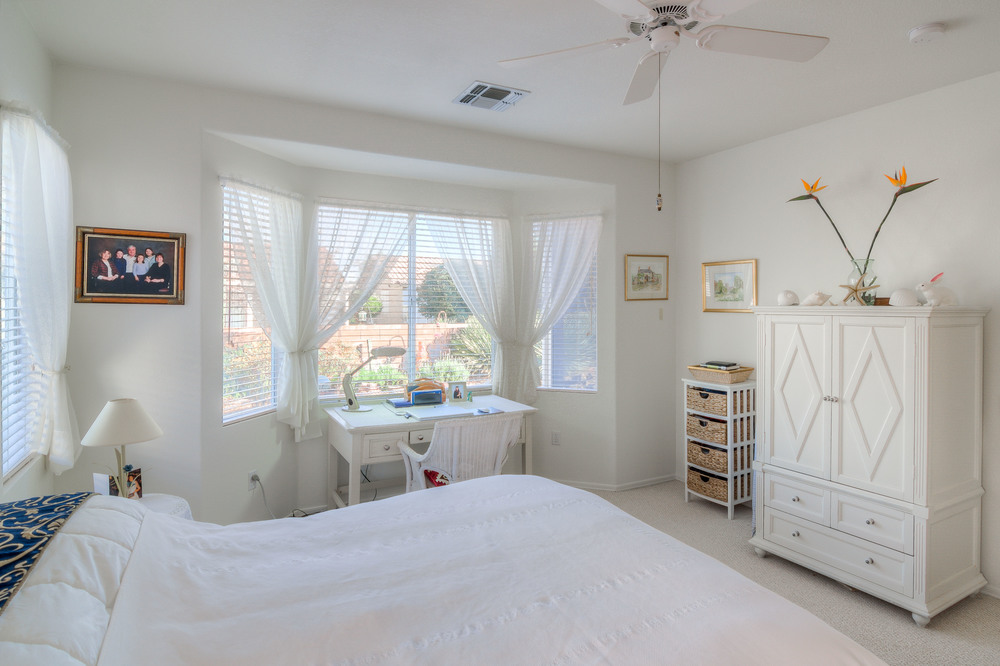 24 Master Bedroom photo d.jpg