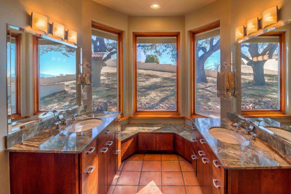 34 Master Bath photo d.jpg