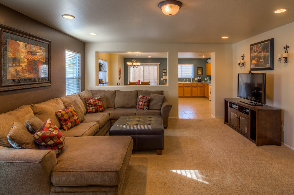 8 Living Room photo d jpg.jpg