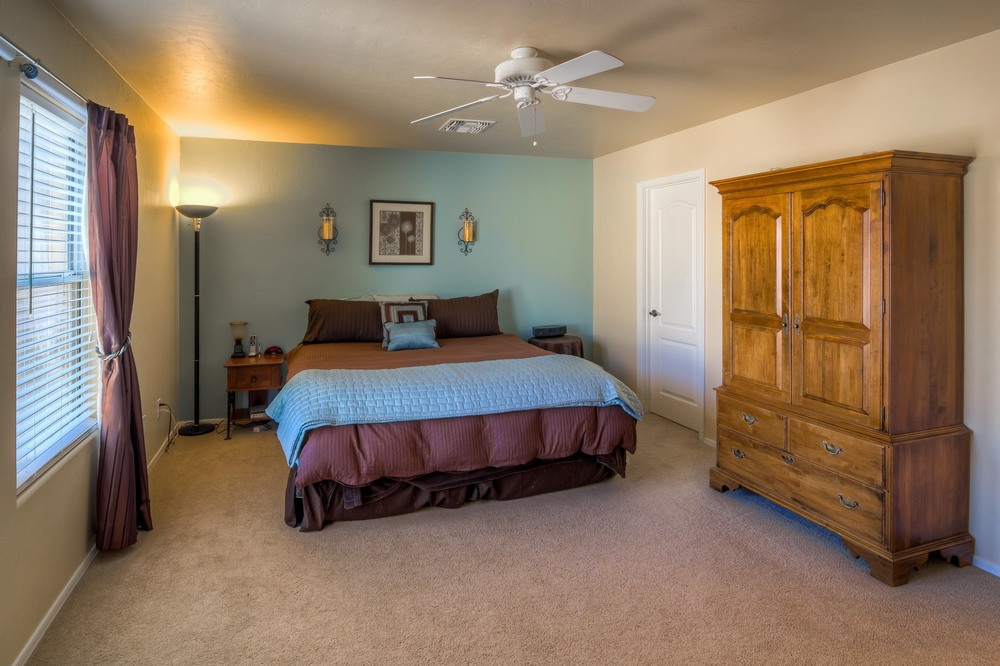 28 Master Bedroom photo a.jpg