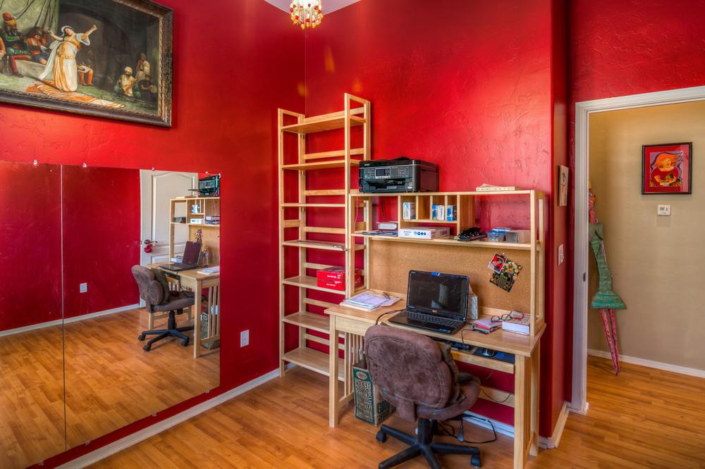 15 Bedroom 3 photo d.jpg