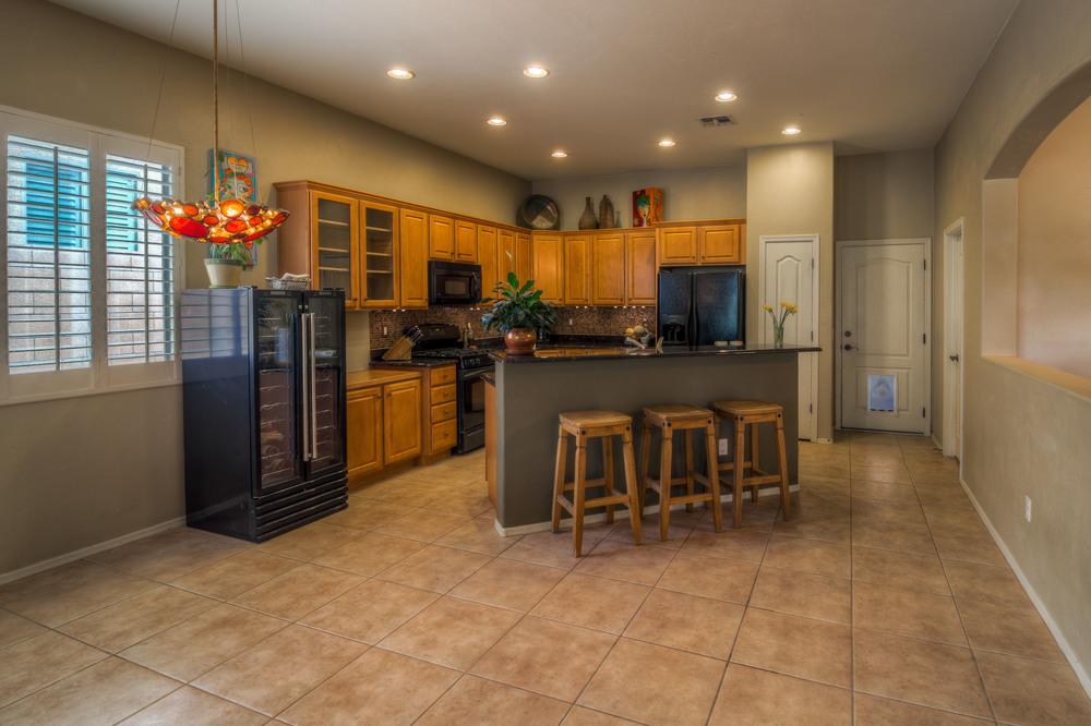 25 Kitchen photo a.jpg