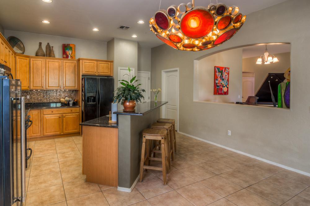 29 Kitchen photo e.jpg