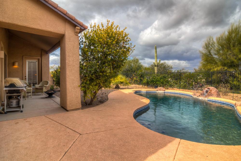 34 Backyard photo a.jpg