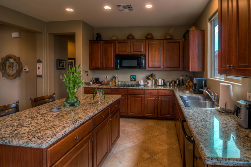 20 Kitchen photo d.jpg