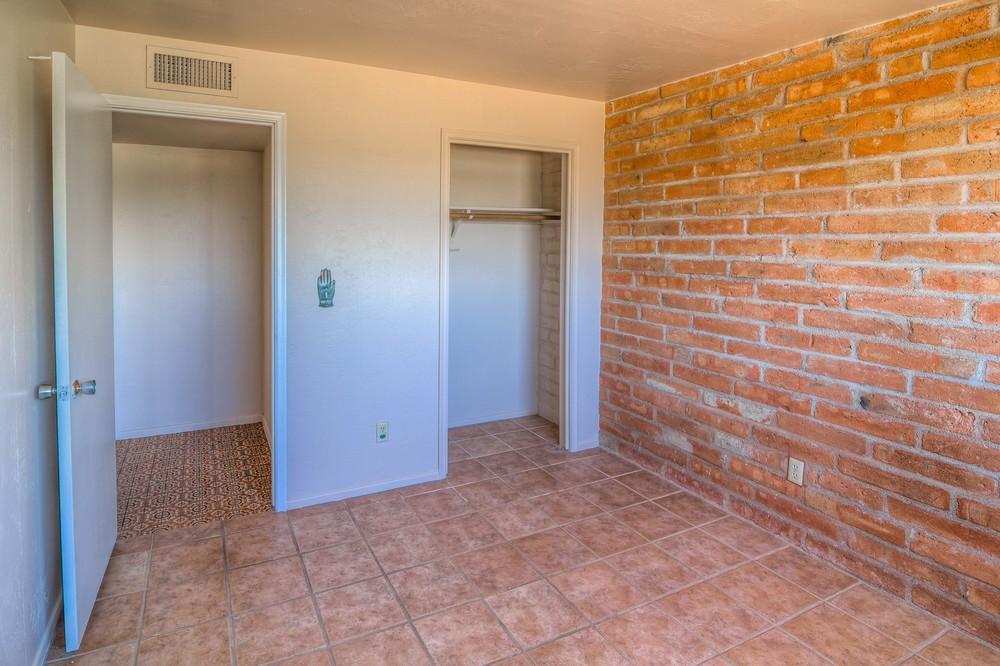 29 Bedroom 2 photo b.jpg