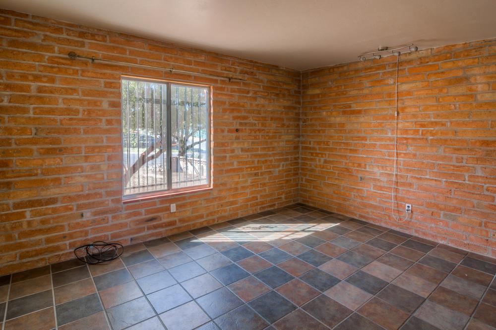 35 Master Bedroom photo a.jpg
