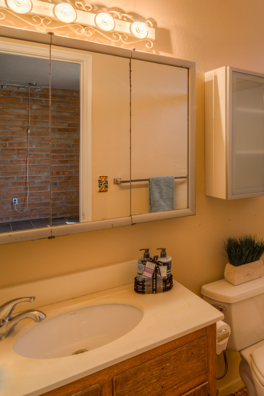 41 Master Bath photo a.jpg