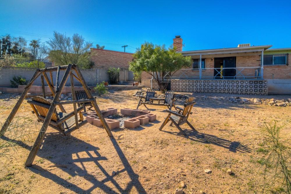 46 Backyard photo d.jpg