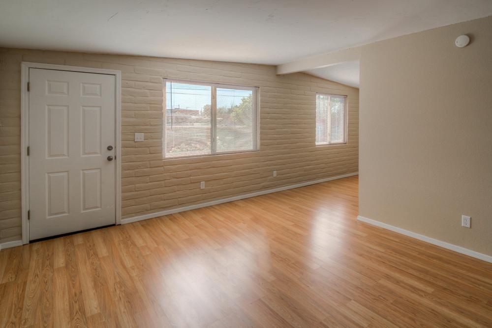 6 Living Room photo b.jpg