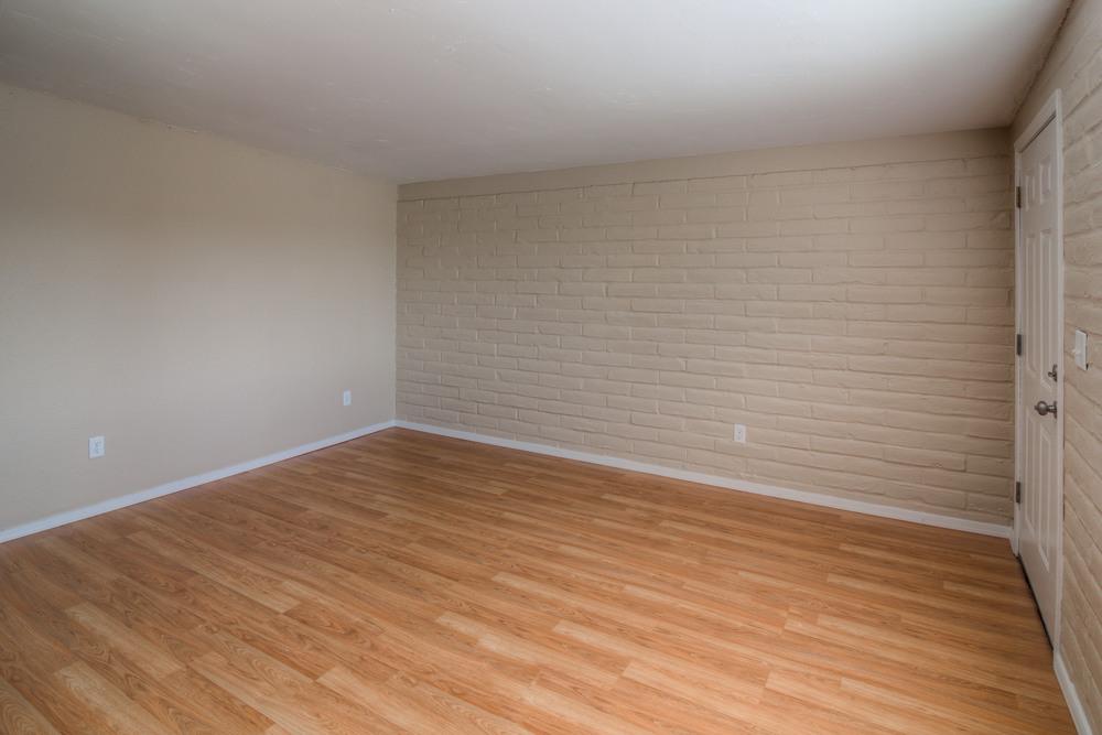 9 Living Room photo e.jpg