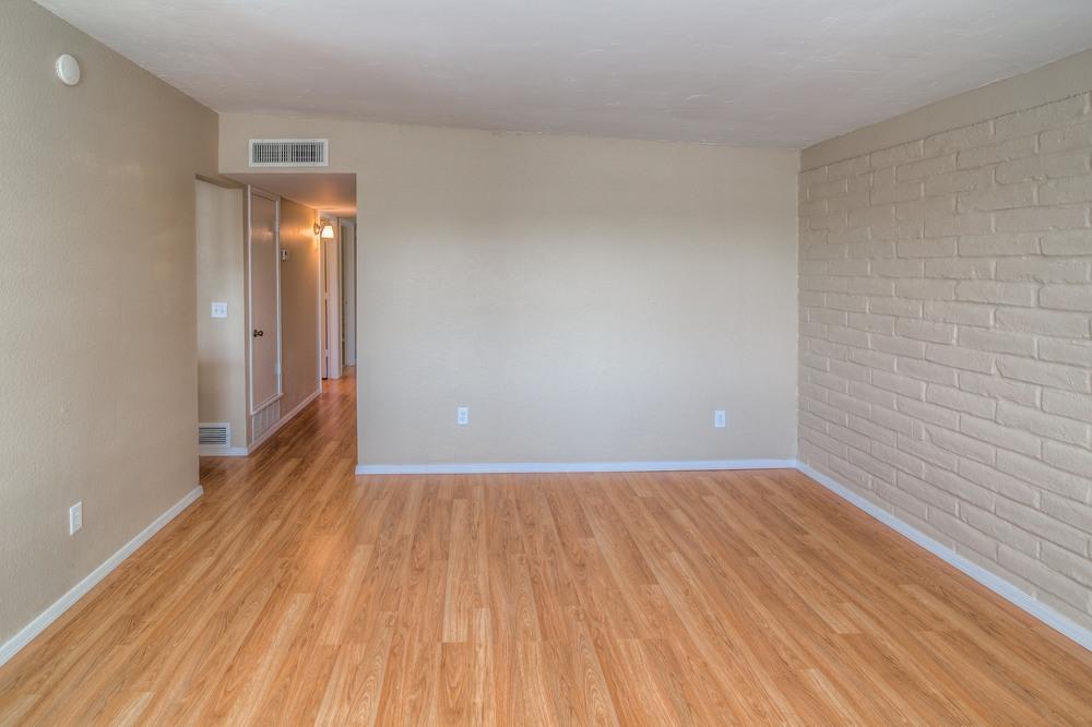 10 Living Room photo f.jpg