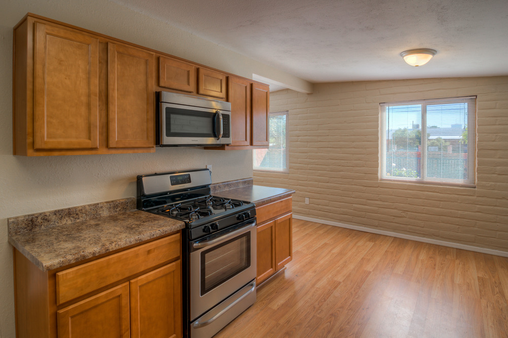 13 Kitchen photo c.jpg