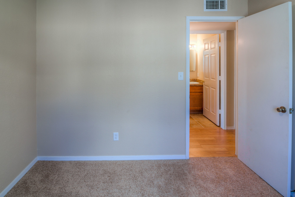 20 Bedroom 1 photo.f.jpg