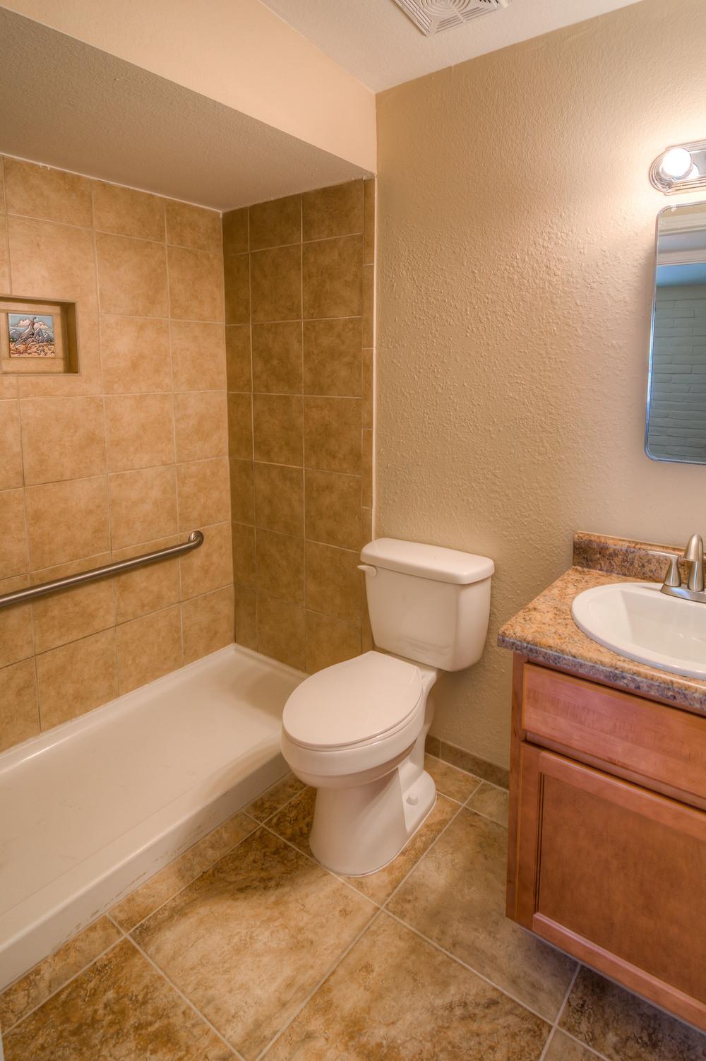 21 Bathroom.jpg