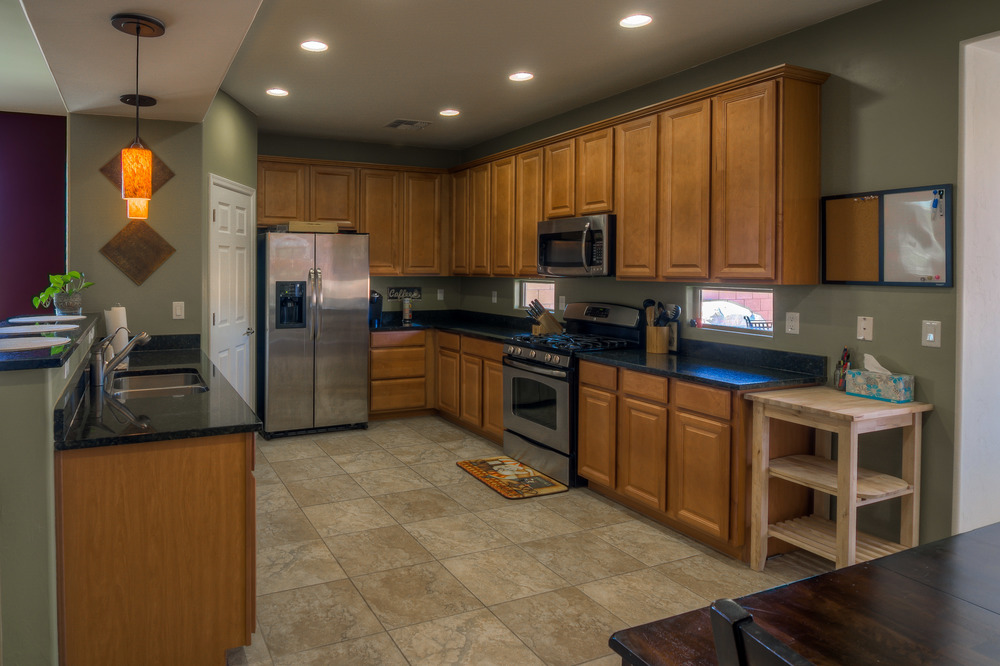 16 Kitchen photo a.jpg
