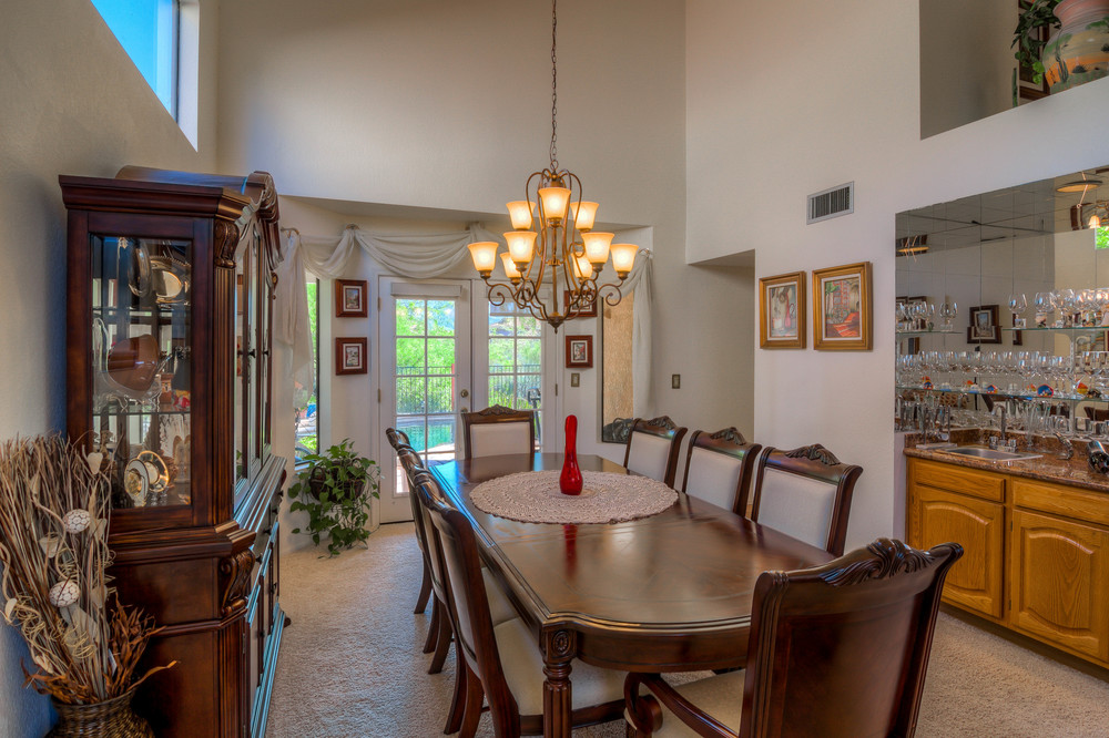 11 Dining Room photo d.jpg