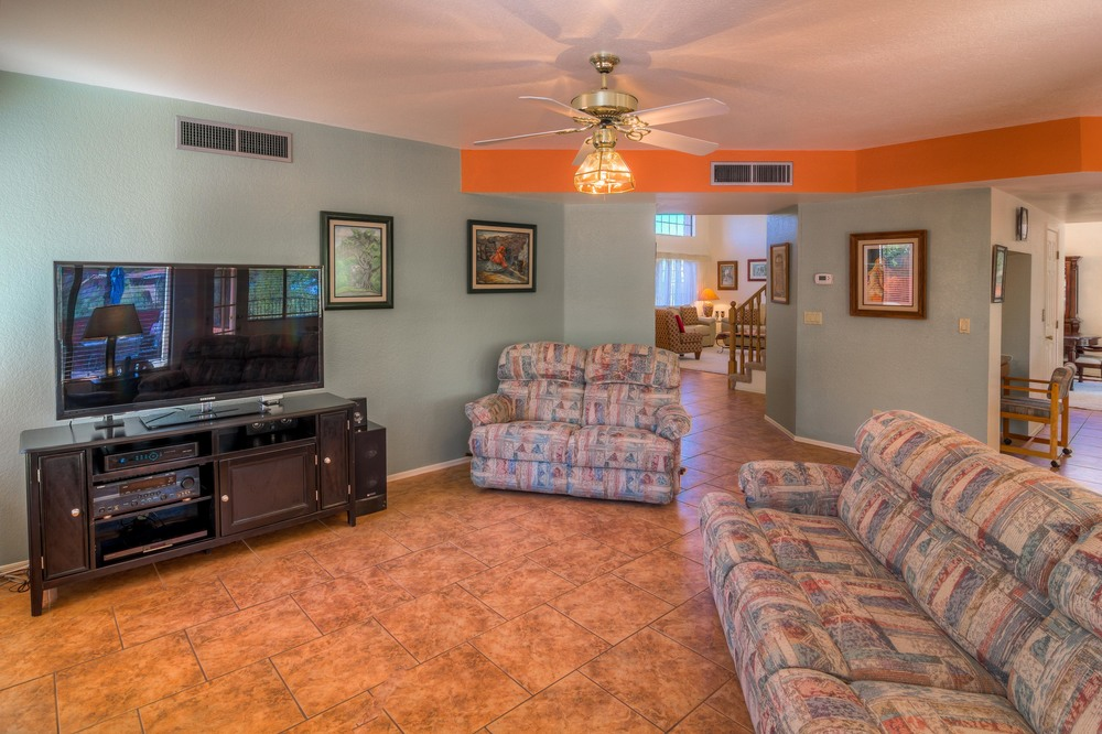 17 Family Room photo c.jpg