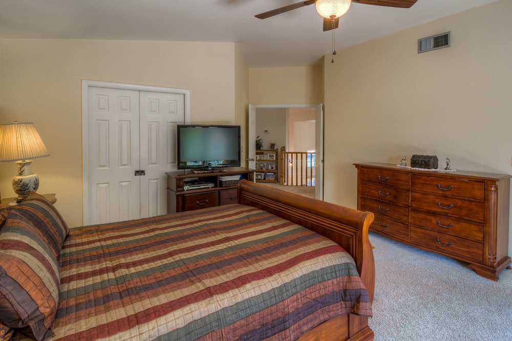 24 Master Bedroom photo b.jpg