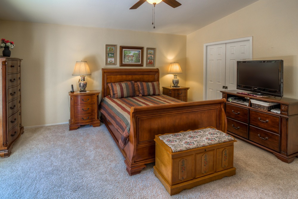25 Master Bedroom photo c.jpg