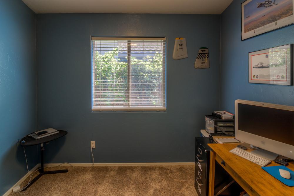 18 Bedroom 1 photo b.jpg
